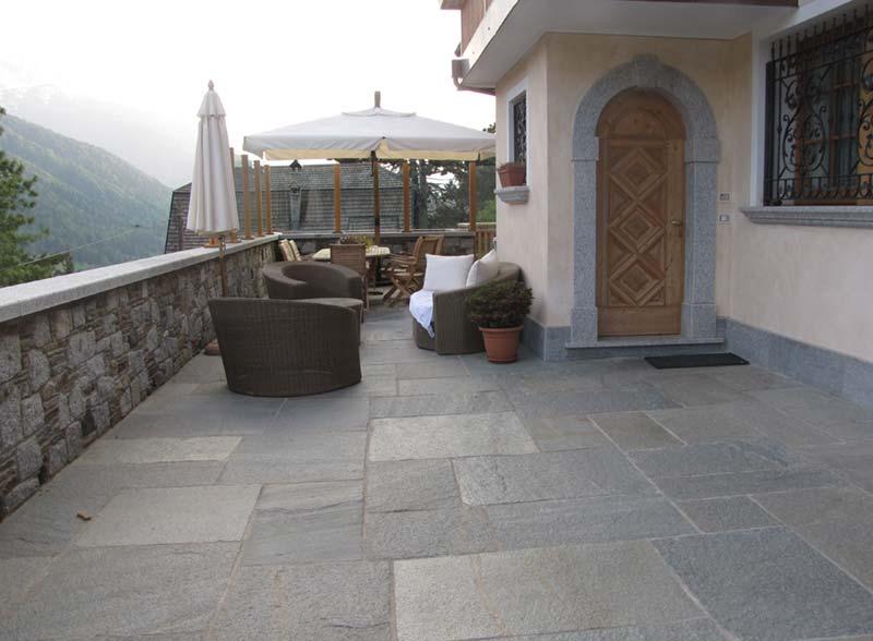 Pavimento in pietra per esterno posa porfido e pietra naturale sigillatura in boiacca - Pavimenti in pietra per esterno ...