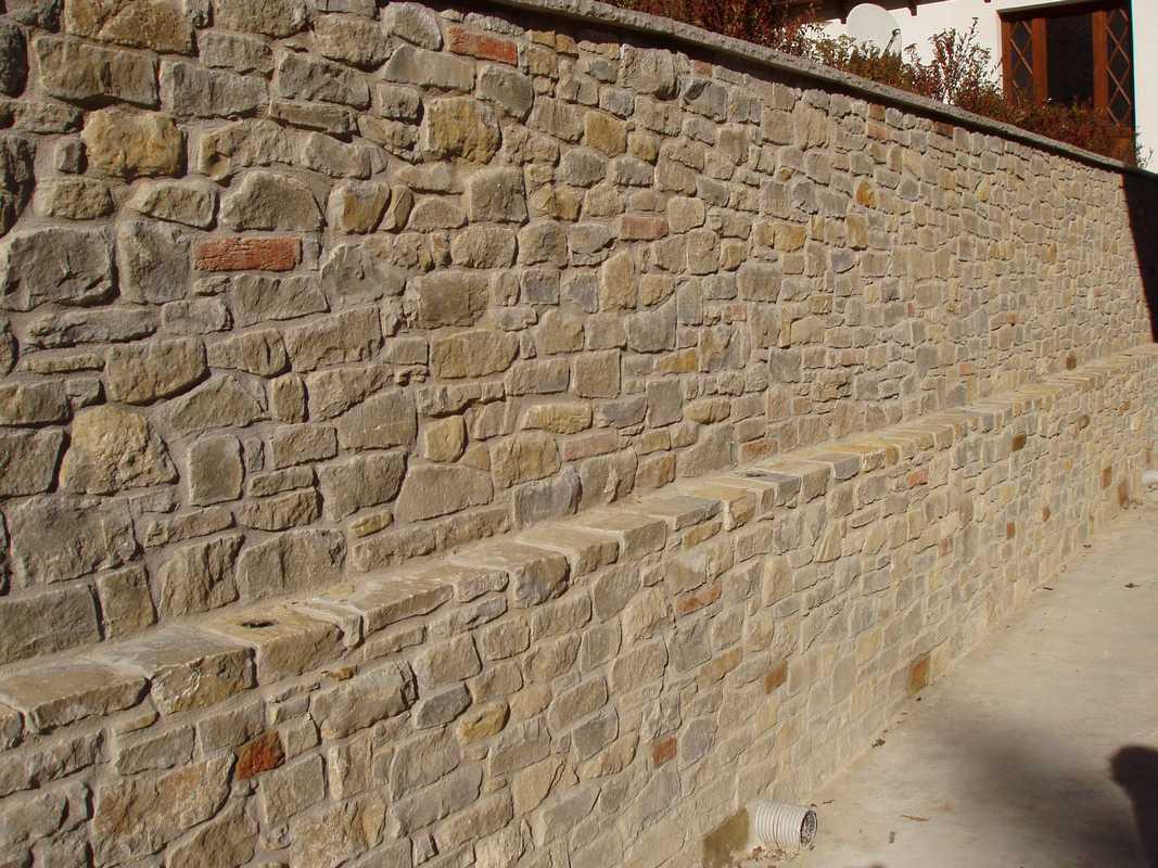 Muro in pietra delle orobie origine pietra - Muro pietra interno ...
