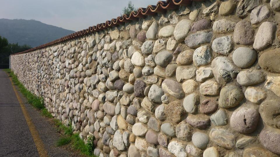 Outlet archive origine pietra for Pietre di fiume