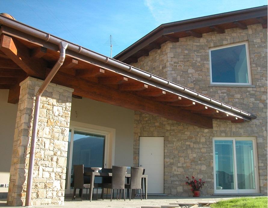 Come rivestire una parete umida finest pareti in legno per la casa bella abbinata parquet e - Rivestire parete in legno ...