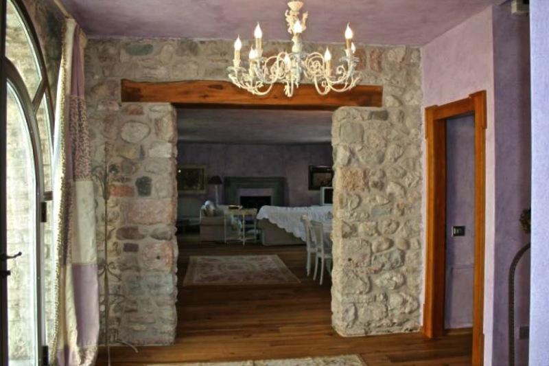 Pareti divisorie come renderle uniche origine pietra for Interni di case rustiche