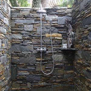 Exterior stone shower cubical real home L etc 03/2008 not used