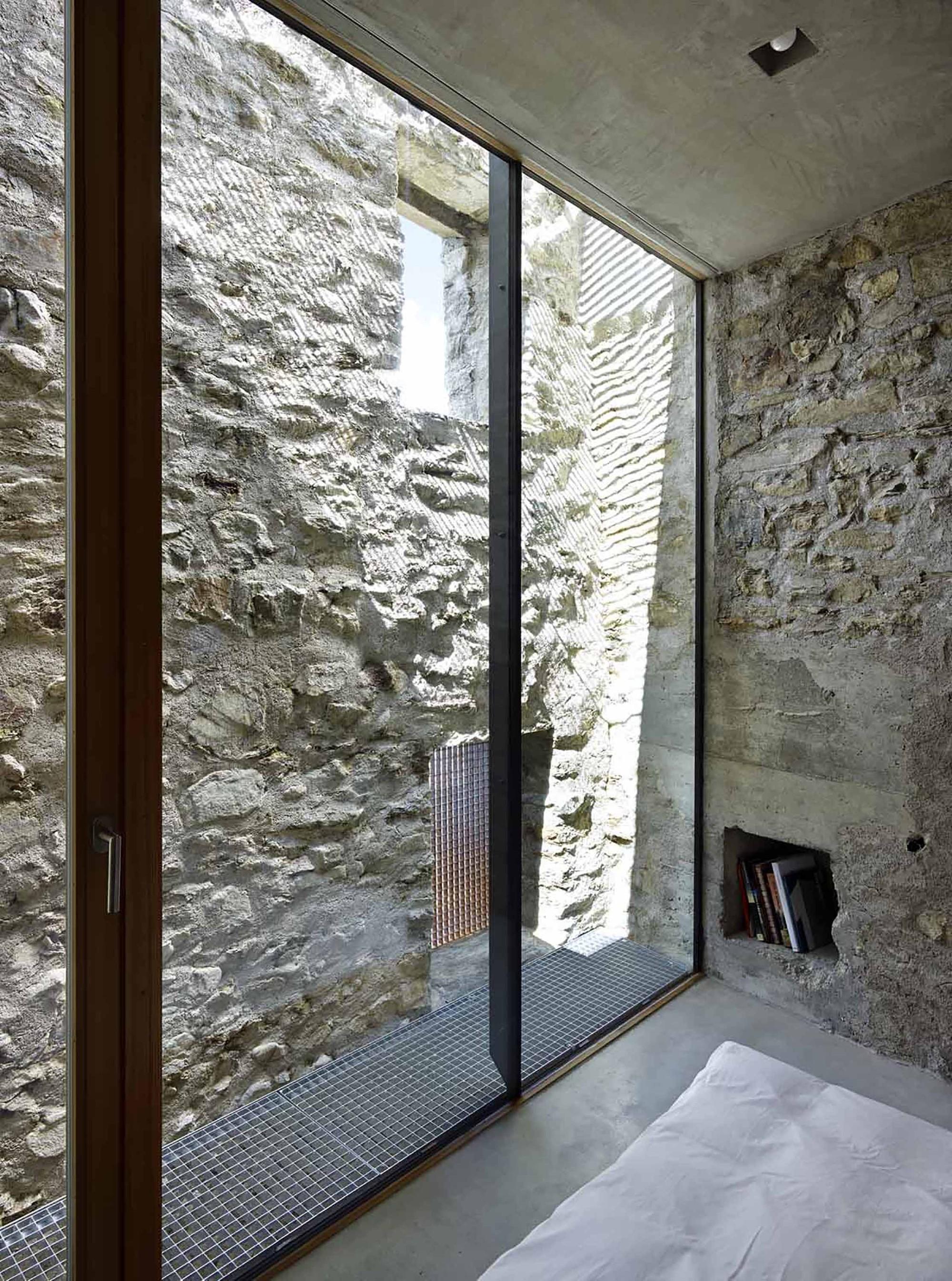 Muro Fatto In Pietra rivestimenti in pietra - umidità di risalita