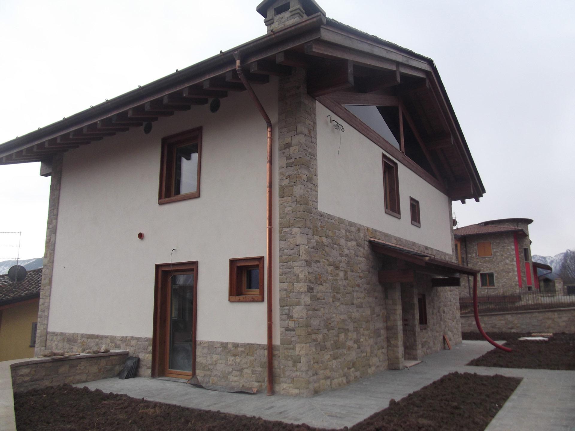 Rivestimenti in pietra umidit di risalita for Case con facciate in pietra